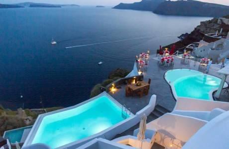 מצעד בתי המלון המפנקים  לזוגות באי סנטוריני